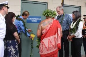 Kimokeo Kapahulehua blesses the Veteran's Resource Center. Photo courtesy UHMC.