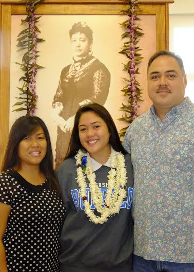 After signing her letter of intent to play softball at the University of Buffalo, Madison Vaught posed with her parents Melissa and Mark at the Kamehameha Schools Maui campus. Photo by Lokelani Patrick / KS Maui.