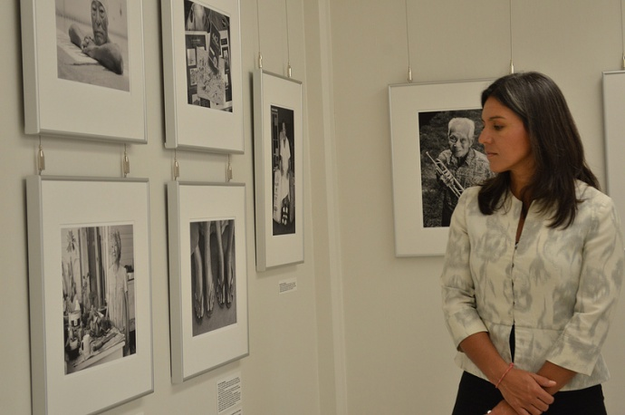 Rep. Gabbard visited the Nisei Veterans Memorial Center, where she viewed an extensive photography exhibition highlighting the historic significance of Japanese-American veterans who served in World War II. Courtesy photo.