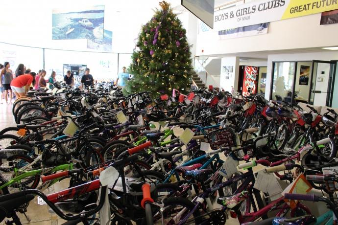 Jim Falk Motors >> Maui Now : Car Dealer Surprises Kids with New Bicycles for ...