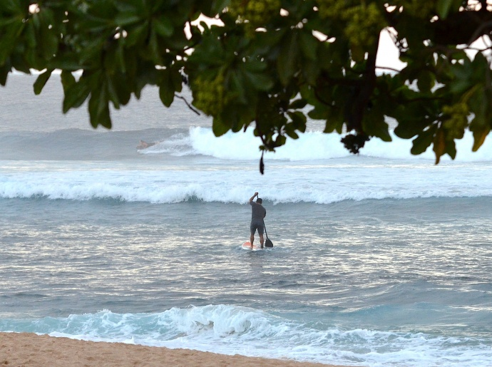 A bodyboarder and standup paddler enjoy Ho'okipa's gifts on Christmas morning last month. Photo by Riley Yap.