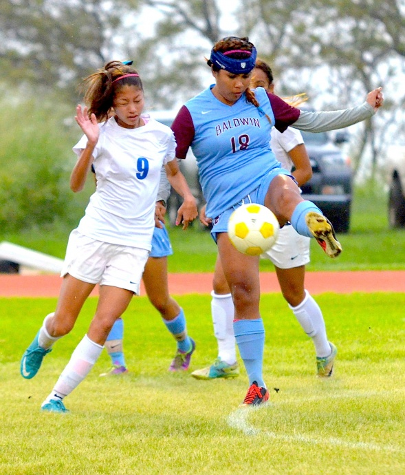 Maui High's Alysha Miyazono, No. 9 in this file photo against Baldwin earlier this year, scored the Sabers only goal in Wednesday's 3-1 defeat to Kamehameha Schools Oahu. Photo by Rodney S. Yap.