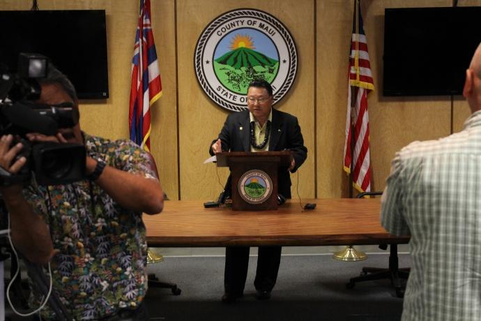 Lānaʻi plane crash press conference hosted by Maui Mayor Alan Arakawa. Photo by Wendy Osher.