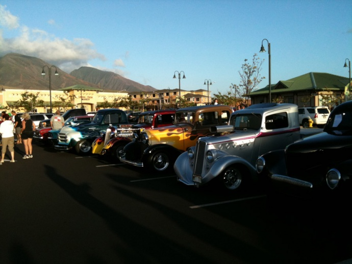 Classic cars from the 2013 event. Image courtesy Lahaina Gateway