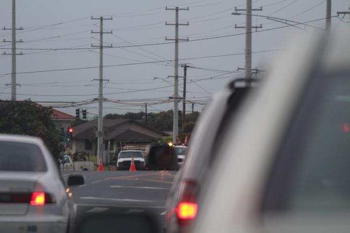 Wākea Avenue between Molokaʻi Hema Street and Niʻihau Street in Kahului remains closed due to a water main break. Photo by Wendy Osher.