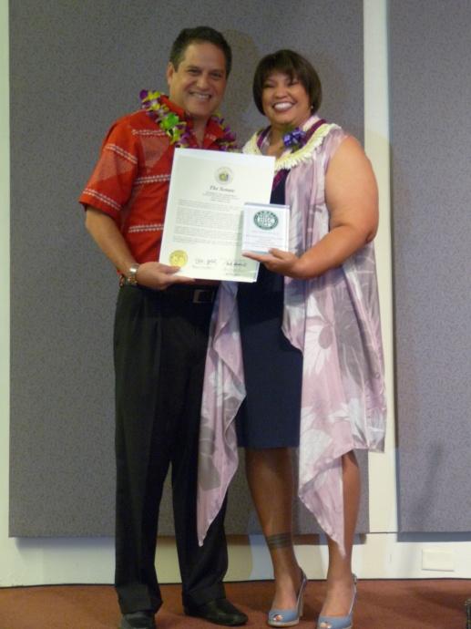 Senator J Kalani English (left).  Photo courtesy State of Hawaiʻi, Office of the Governor.