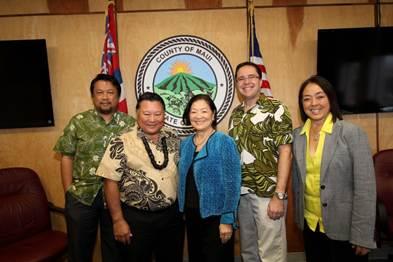 Hirono with Mayor Alan Arakawa and administrative staff. Courtesy photo.
