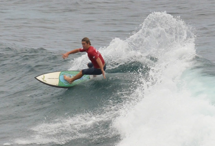 Maui High's Mack Crilley finished third in the boys shortboard division Saturday. Photo by Rodney S. Yap.