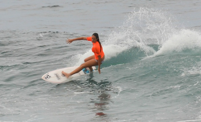The semifinals of the girls shortboard division Saturday at Ho'okipa Beach Park. Photo by Rodney S. Yap.