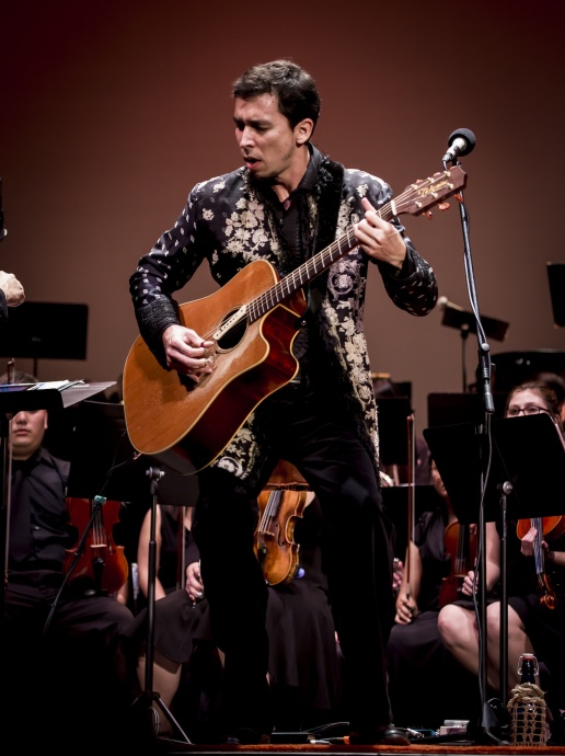 Makana performs with the Hawaii Pacific University in 2013. Courtesy image