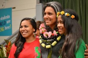 Congresswoman Gabbard honors the Molokaʻi Middle School Robotics Team.