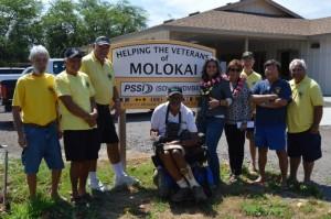 Rep. Gabbard visits the Veterans Center for Molokaʻi.