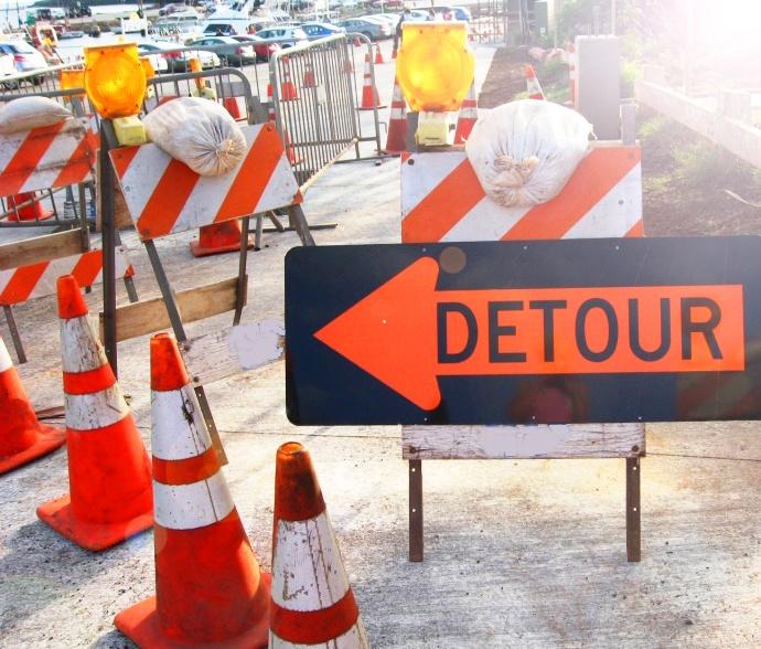 Detour signs. Maui Now file photo.