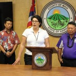 Lieutenant Governor Shan Tsutsui (left), Emergency Management Officer Anna Foust (middle), and Maui Mayor Alan Arakawa (right).  Photo by Wendy Osher.