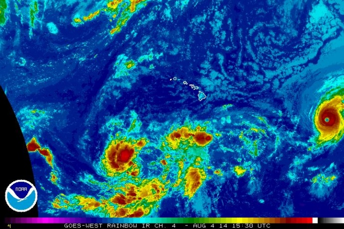 Hurricane Iselle satellite imagery, Monday, Aug. 4, 2014. Image courtesy Central Pacific Hurricane Center/NOAA/NWS.