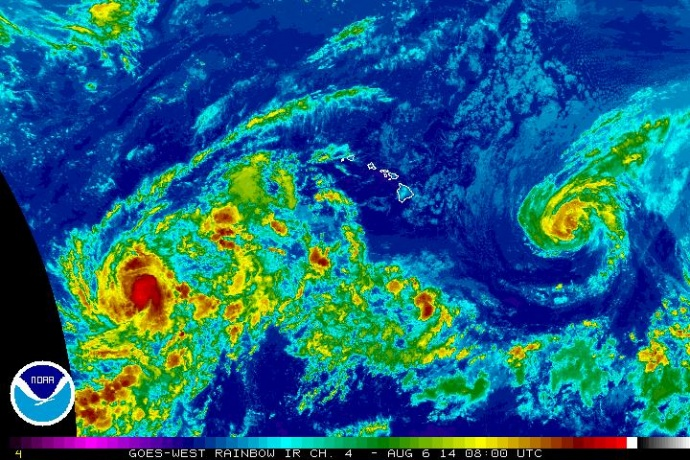Satellite imagery of Iselle at 10 p.m. HST, Tuesday, Aug. 5, 2014. Image courtesy CPHC/NOAA/NWS.