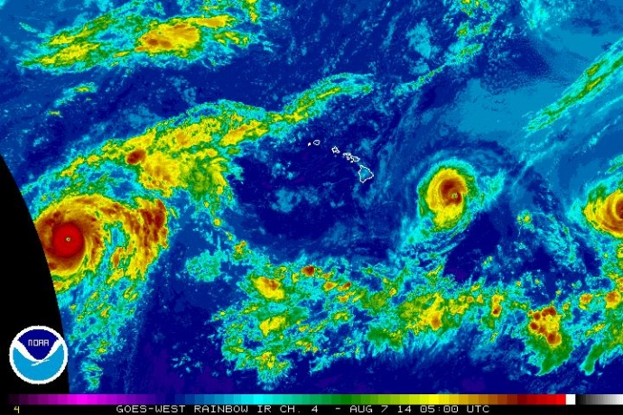 Satellite imagery of Iselle at 7 p.m. HST, Wednesday, Aug. 6, 2014. Image courtesy CPHC/NOAA/NWS.