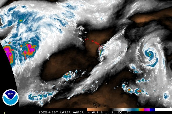 Satellite imagery of Iselle at 1 a.m. HST, Friday, Aug. 8, 2014. Image courtesy CPHC/NOAA/NWS.