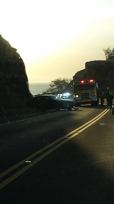 Honoapiʻilani scenic lookout traffic accident, Sept. 22, 2014. Photo courtesy: Rodney Montenegro Borromeo.
