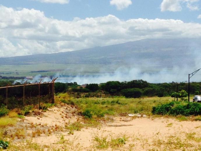 Brush fire 9/11/14 near Dunes at Maui Lani Golf Course. Photo courtesy Michelle Echevary.