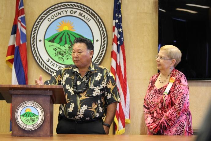 Maui Mayor Alan Arakawa (left) and Council Chair Gladys Baisa (right). Photo Sept. 10, 2014 by Wendy Osher.
