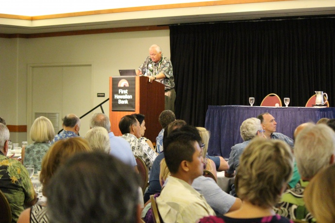 Dr. Jack Suyderhoud, First Hawaiian Bank economics adviser delivers Maui's economic forecast. Photo 9/18/14 by Wendy Osher.