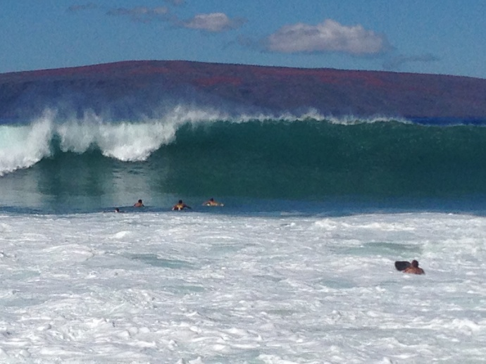Maui South Shore Surf Expected to Rise to 10-14 Feet