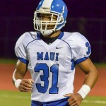 Maui High's Hanisi Lotulelei scored two touchdowns for the Sabers Friday against King Kekaulike. Photob y Rodney S. Yap.