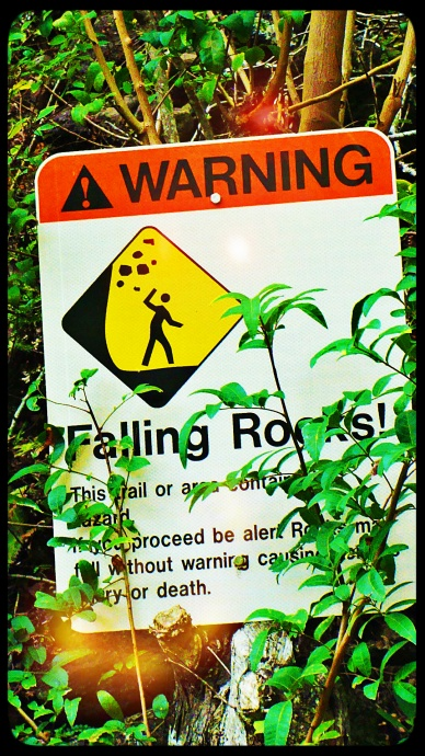 Rockfall warning sign at ʻĪao on Maui.