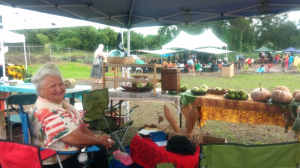 Aunty Kipaoa selling her fruits and vegetables in Kēōkea over Labor Day in 2014. Courtesy image