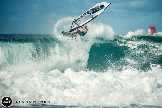 Keith Teboul nails the highest wave score of the day. Image courtesy Si Crowther/AWT.