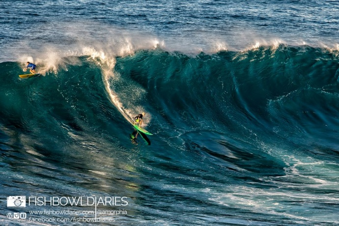 Keala Kennelly surfing Pe'ahi Jaws 11/11/14 - Image: Fish Bowl Diaries