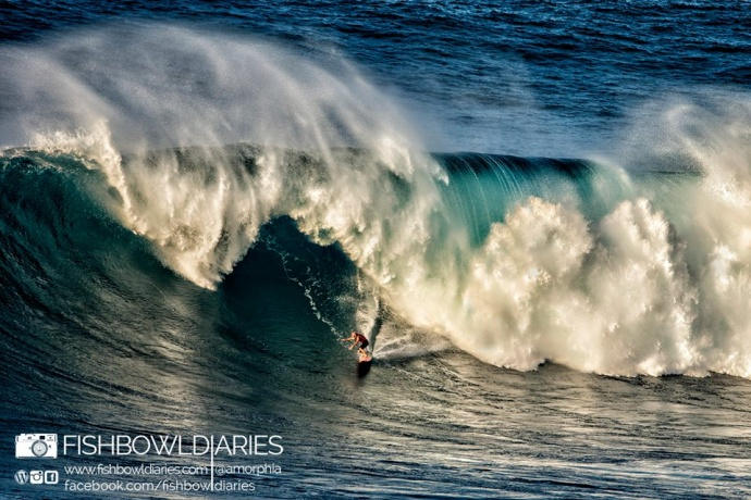 Shane Dorian surfing Pe'ahi Jaws 11/11/14 - Image: Fish Bowl Diaries