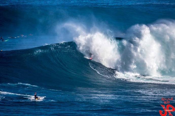 Pe'ahi (Jaws) 11/12/14 - Image: Jimmie Hepp