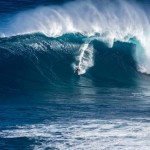 Peʻahi Swell Peaks This Morning, High Surf Warning Extended