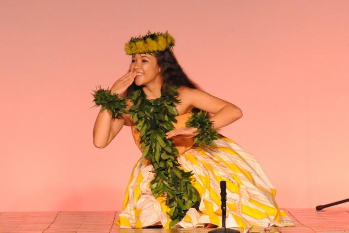 Overall Wahine Award Leimakamae Maura Kea Halau Kekuaokalaaualailiahi Na Kumu Iliahi & Haunani Paredes. Courtesy photo.