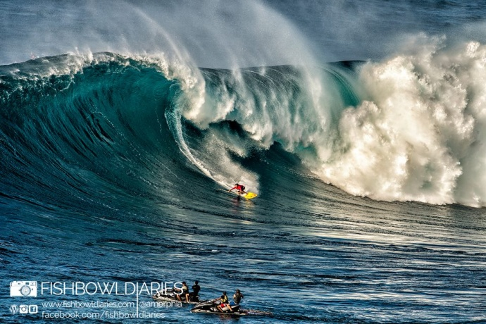 Kai Lenny surfing Pe'ahi Jaws 11/11/14 - Image: Fish Bowl Diaries