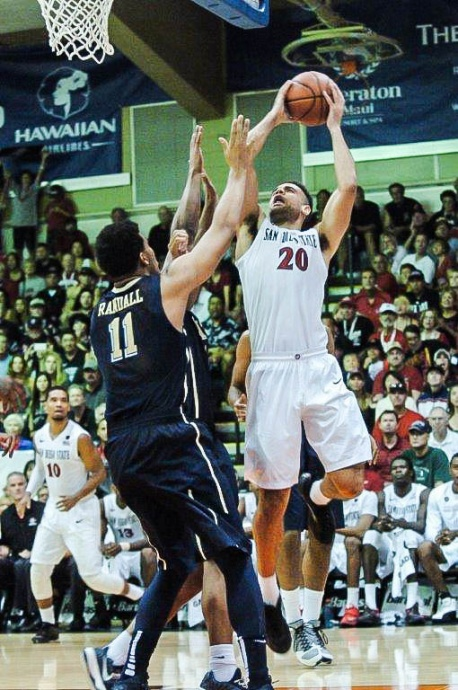 San Diego State's J.J. O'Brien takes a shot over Pittsburgh's Derrick Randall (11) in Tuesday's semifinal at Lahaina Civic Center. Photo by Joel B. Tamayo.