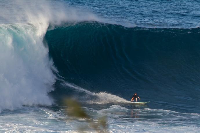 Grant Baker surfing Jaws - Image: Davin Phelps