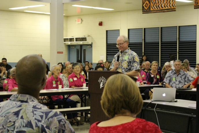HHSC Maui District Board chair Clay Sutherland testifies before the legislative hearing on the state's public health system budget shortfalls.  Photo 11/10/14 by Wendy Osher.