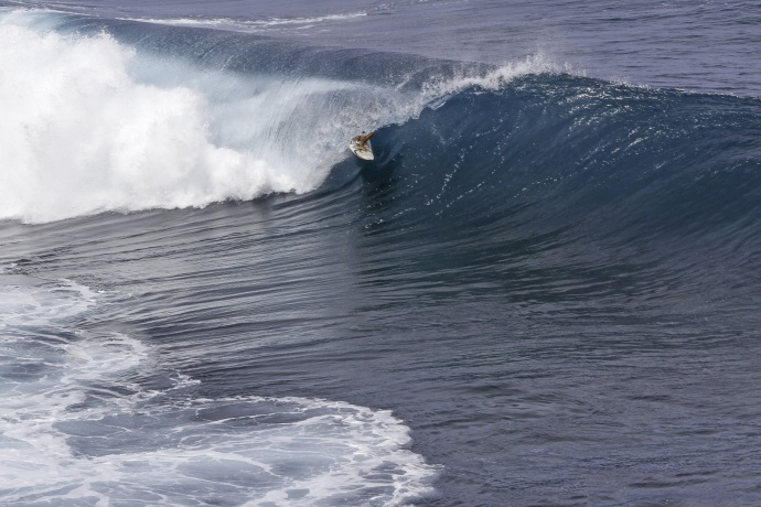 Kai Barger surfing Jaws - Image: Davin Phelps