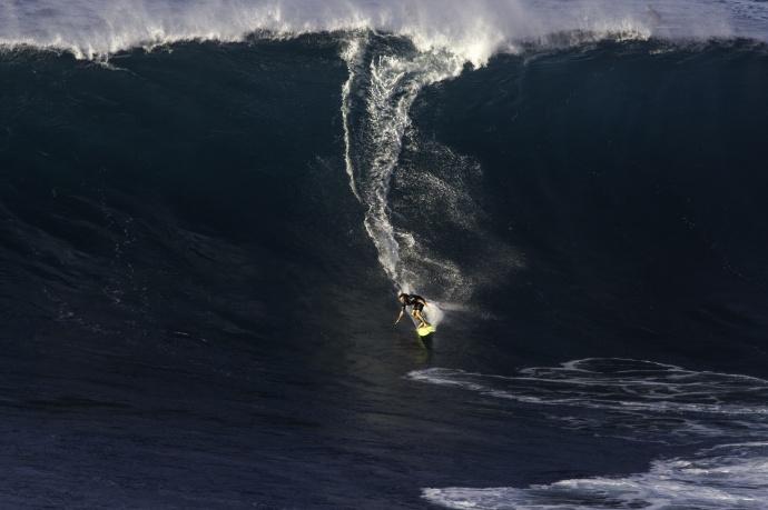 Laser Wolf surfing Jaws - Image: Davin Phelps