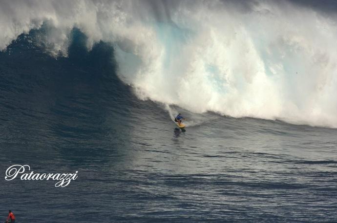 "Pe'ahi ""Jaws"" 12/22/14 - Image John Patao"