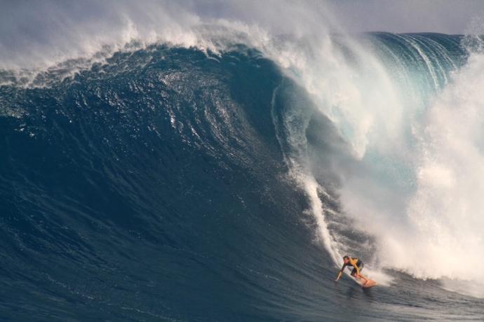 """Pe'ahi """"Jaws"""" Dec. 10, 2014 / Image: Aaron Lynton"""