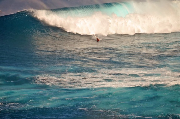 Peahi (Jaws) 12/10/14 - Image: Ned Simonds