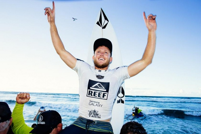 Dusty Payne wins the Reef Hawaiian Pro, the first leg of the Vans Triple Crown of Surfing, in mid-November after posting a near-perfect 19.64 in the Final. Photo by ASP/ Kelly Cestari.