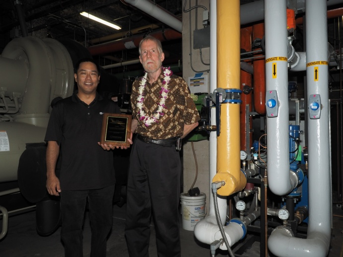 Walter Enomoto (left) of Hawaii Energy and Pat Ware, formerly of Four Seasons Maui. Courtesy photo.