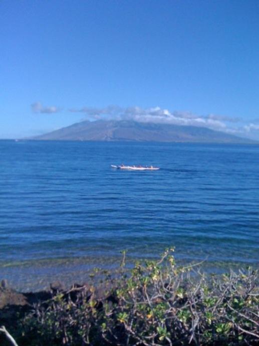 Lānaʻi from Wailea. Photo by Victoria Hoag.
