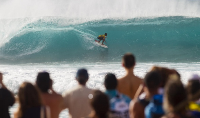 Gabriel Medina of Brazil scores a perfect 10 Friday during the finals of the Pipeline Masters. Photo by ASP / Kirstin Scholtz.