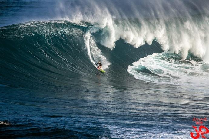 Paige Alms surfing Peahi (Jaws) 12/10/14 - Image: Jimmie Hepp